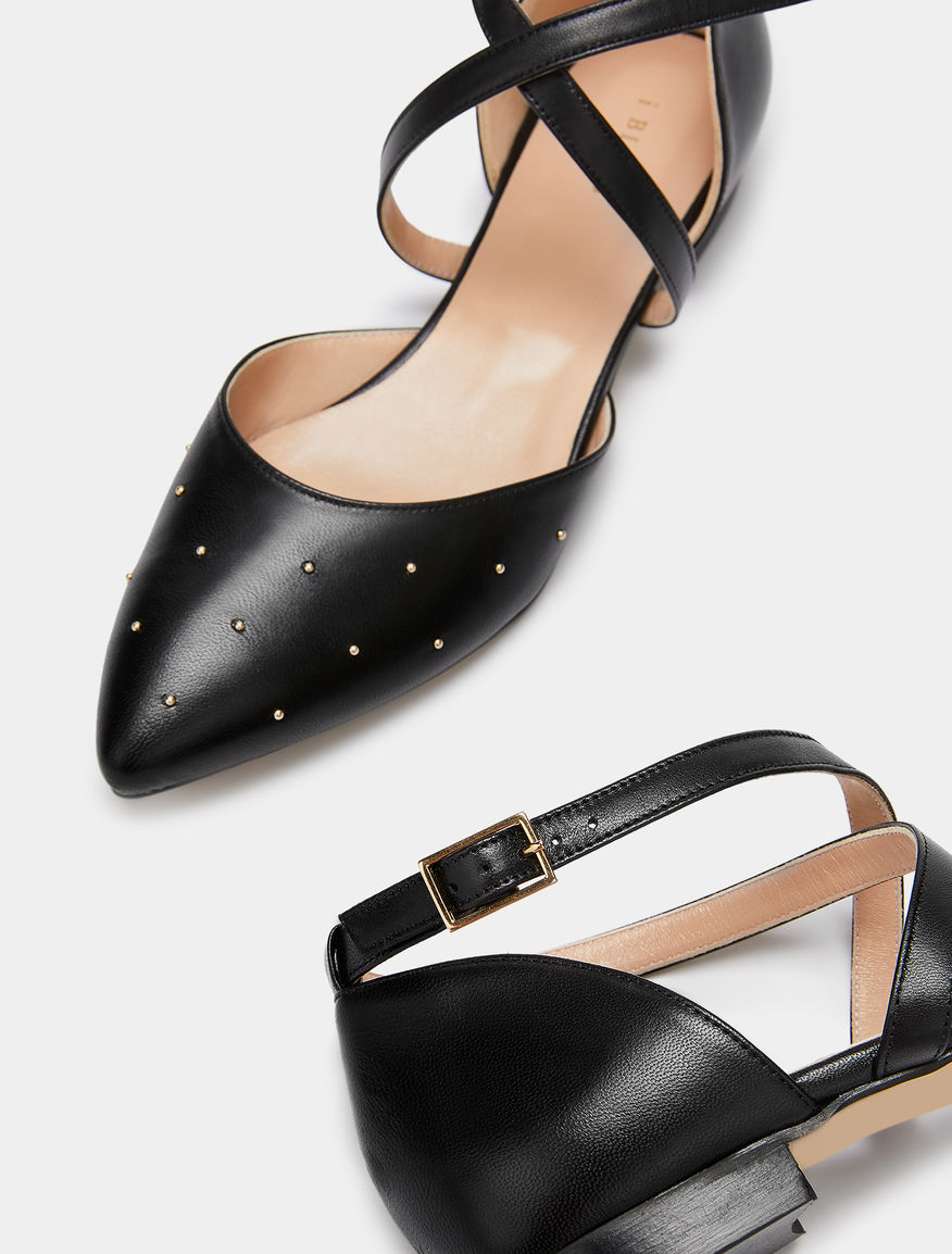 Ballet flats with strap