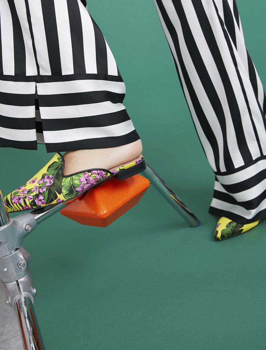 Printed sabot sandals