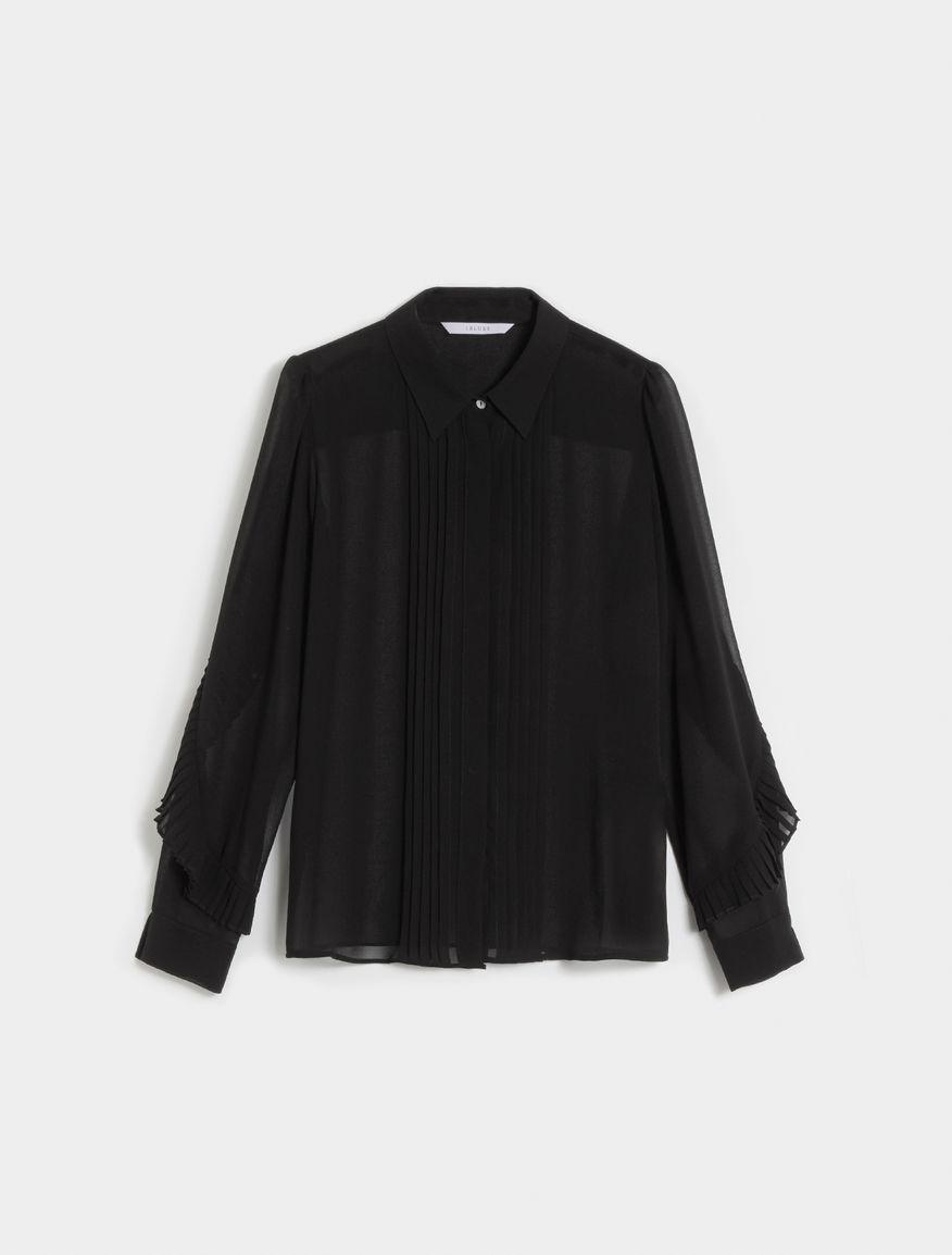 Fluid-fit shirt