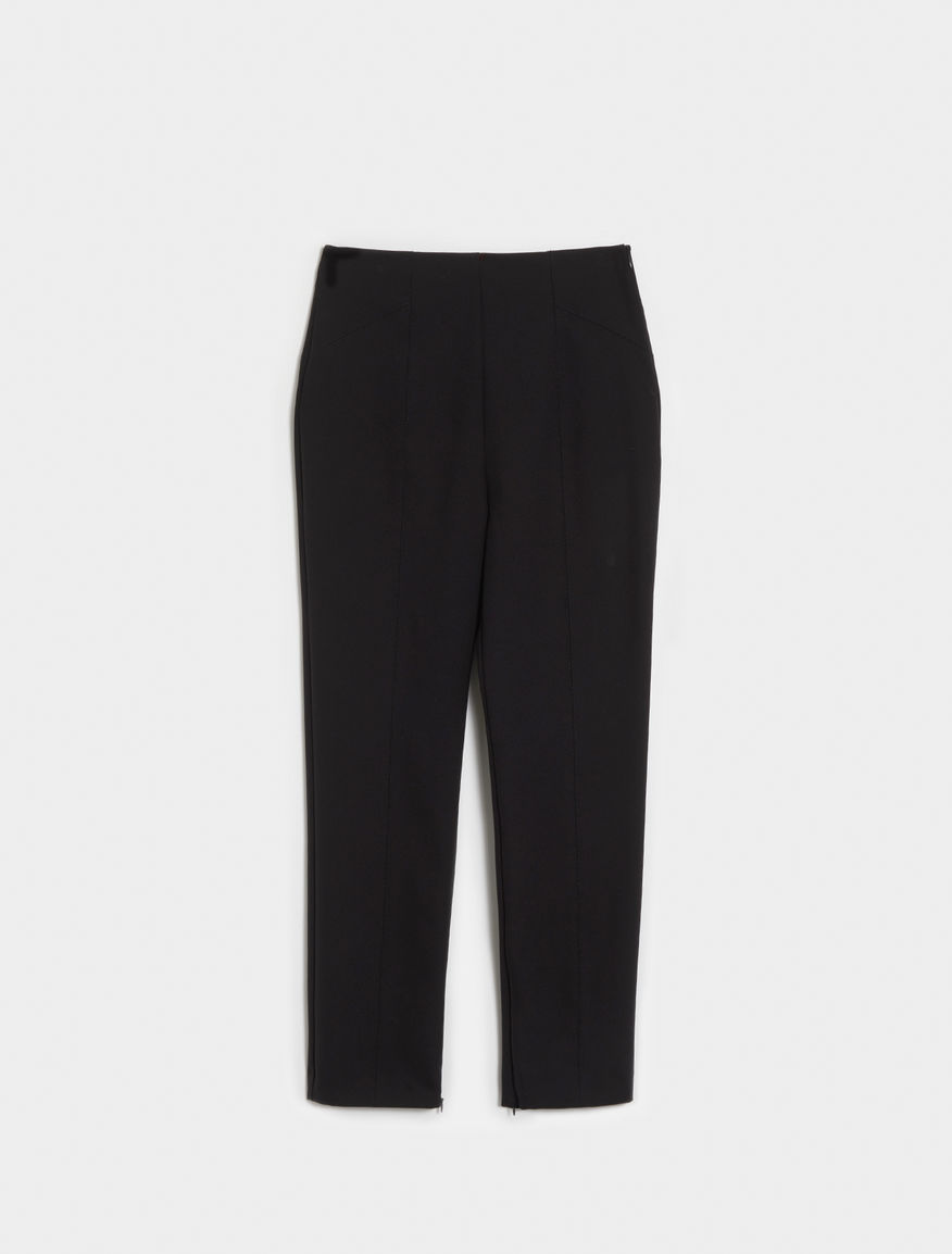 Semi-fitted trousers