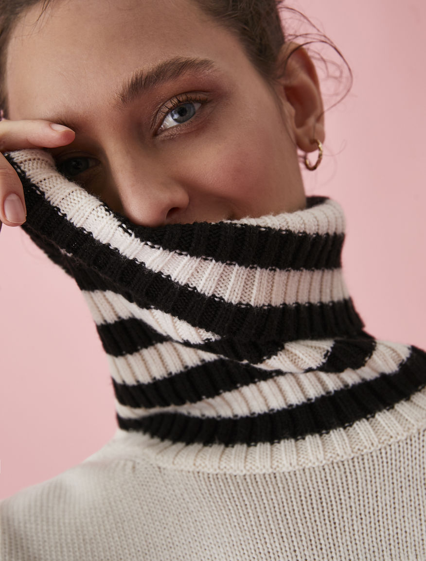 Geometric polo neck jumper