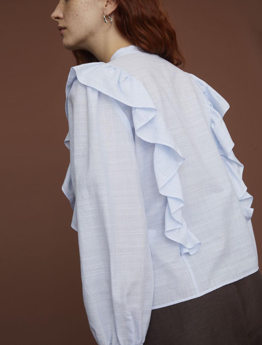 Shirt with flounce