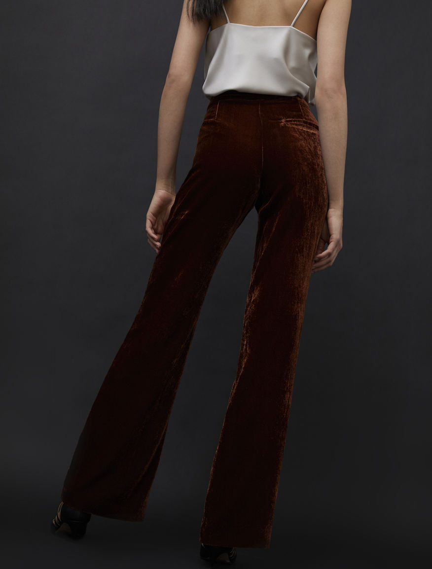 Pantaloni bootcut