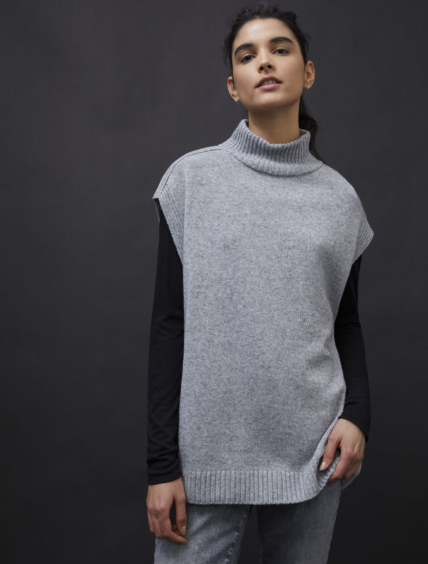 Cashmere-blend polo-neck sweater