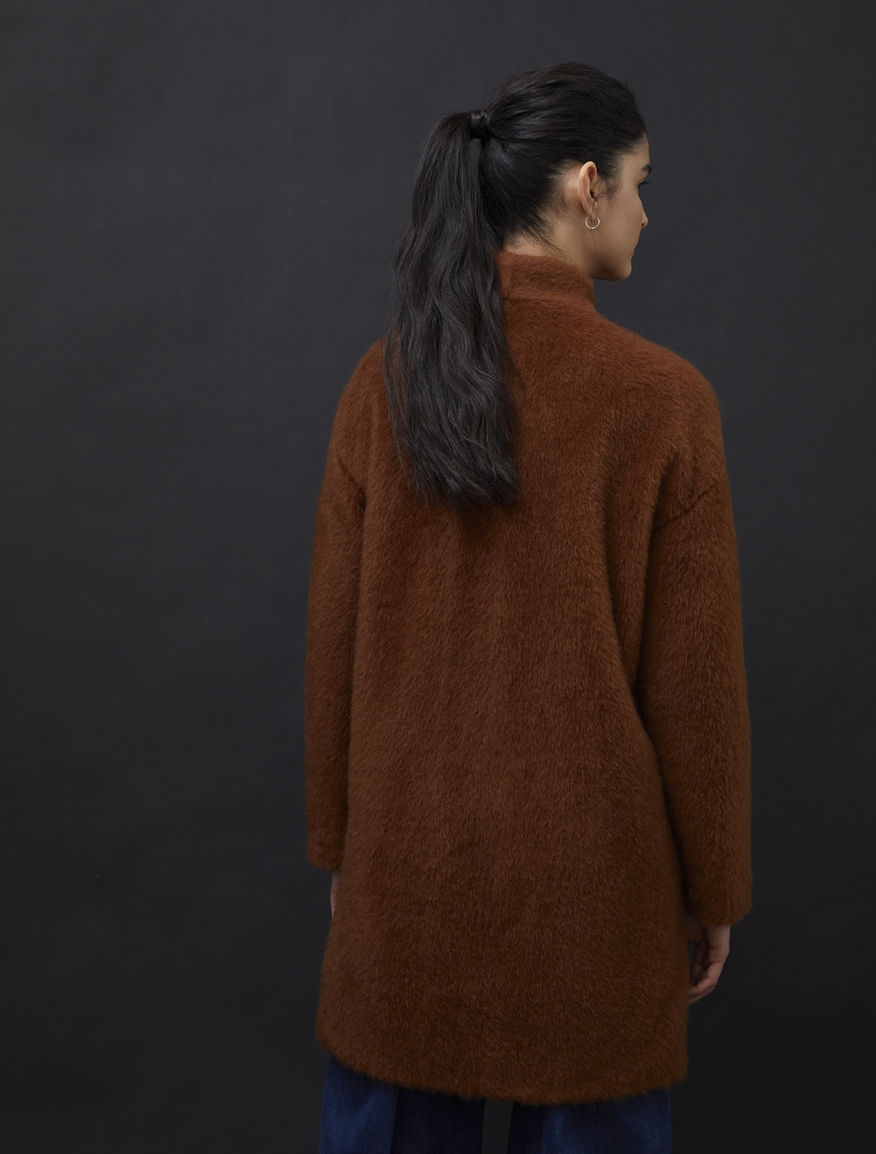 Egg-shaped coat